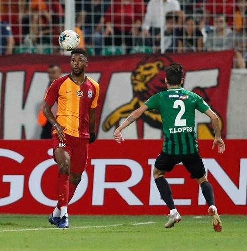Galatasaray, Süper Lig Cemil Usta sezonu açılış karşılaşmasında Yukatel Denizlispor'a konuk oldu. Takımımız, yaklaşık 50 dakikasında 10 kişi mücadele ettiği karşılaşmadan 2-0'lık mağlubiyet ile ayrıldı.