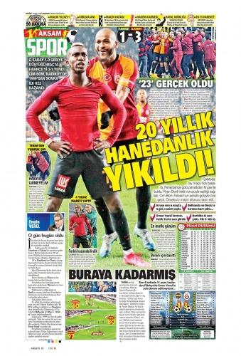 Süper Lig'de dün akşam Fenerbahçe ile Galatasaray arasında oynanan dev derbi, gazetelerin spor sayfalarında...