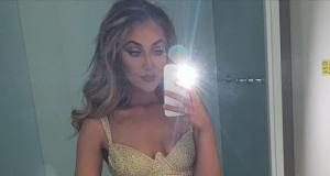 Selfie bağımlısı kadın yılda 11 bin adet fotoğraf çekiliyor