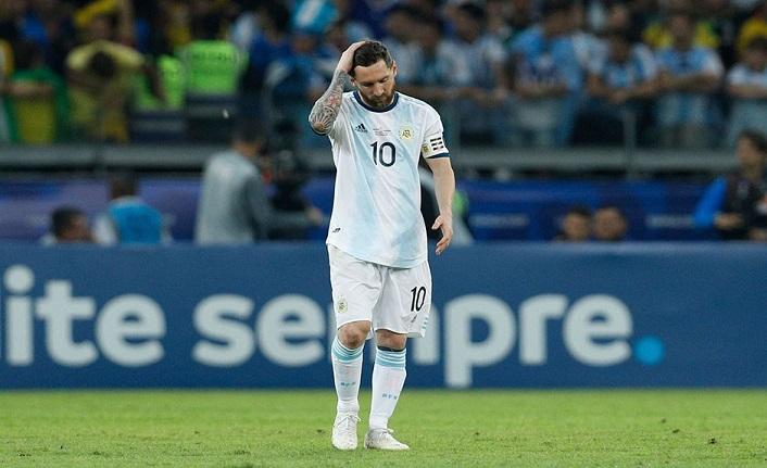 Lionel Messi'ye 3 ay men cezası!