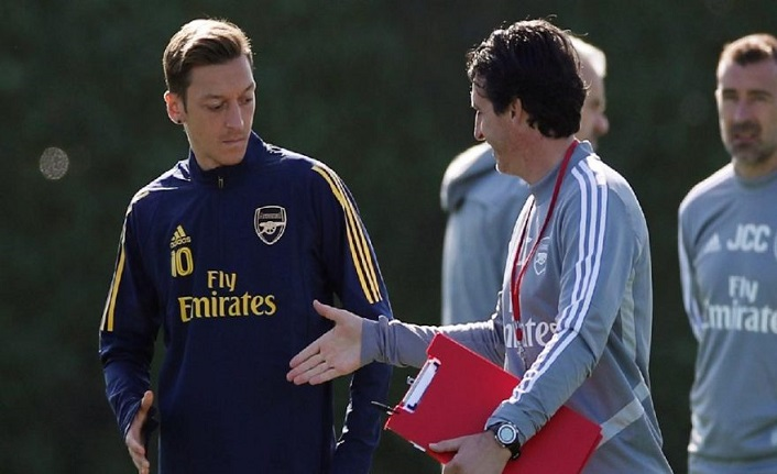 """Emery'den Mesut Özil'e: """"Ondan daha fazla hak edenler var"""""""