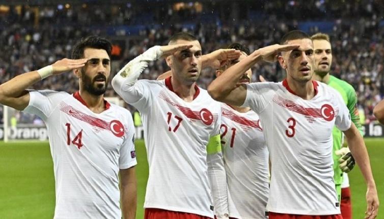 Fransa, asker selamı nedeniyle UEFA'dan Türkiye'ye yaptırım uygulamasını talep etti