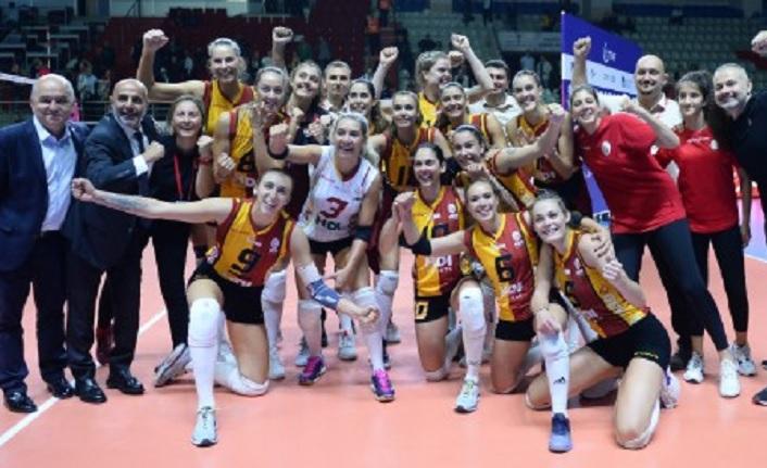 Galatasaray, Fenerbahçe'yi yenerek 4'te 4 yaptı