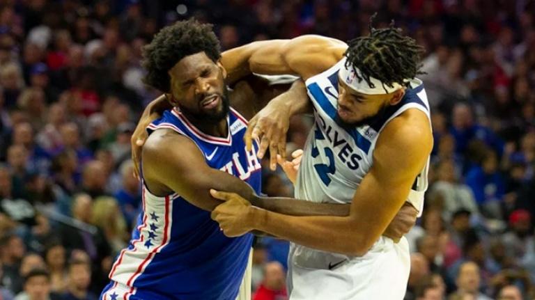 NBA'de olaylı gece: Karl Anthony Towns ve Joel Embiid parkede birbirine girdi
