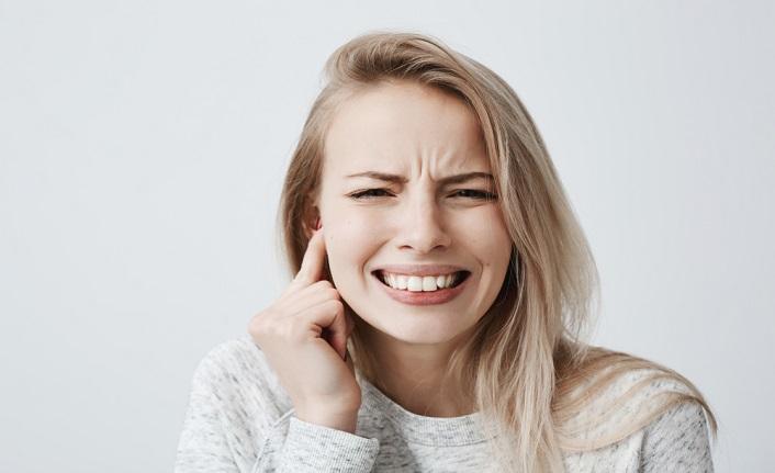 Stres çene ekleminin çıkmasına neden olabilir!