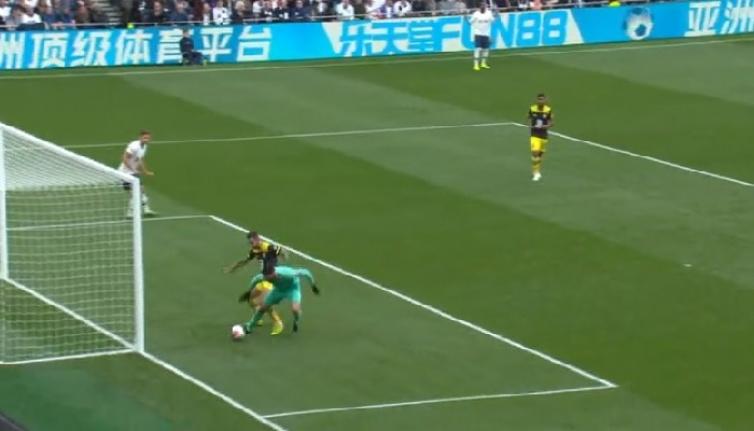 Tottenham'a bir darbe de Brighton'dan! 3-0