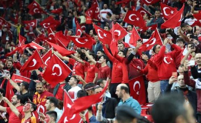 A Milli Takımımız EURO 2020 finallerinde! Türkiye 0-0 İzlanda