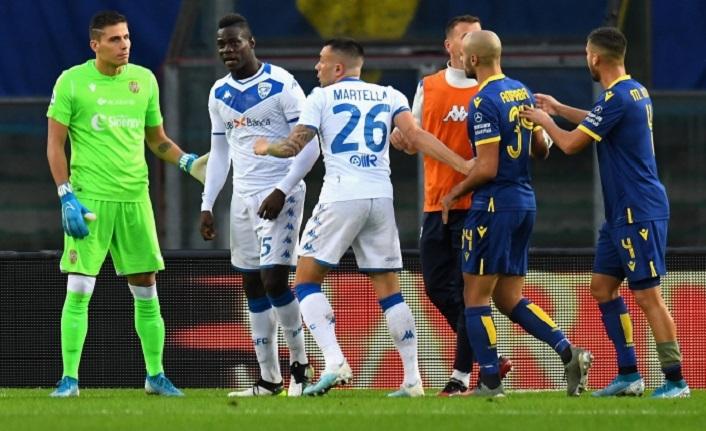 Balotelli'ye ırkçı saldırı! Sahayı terk etmek istedi