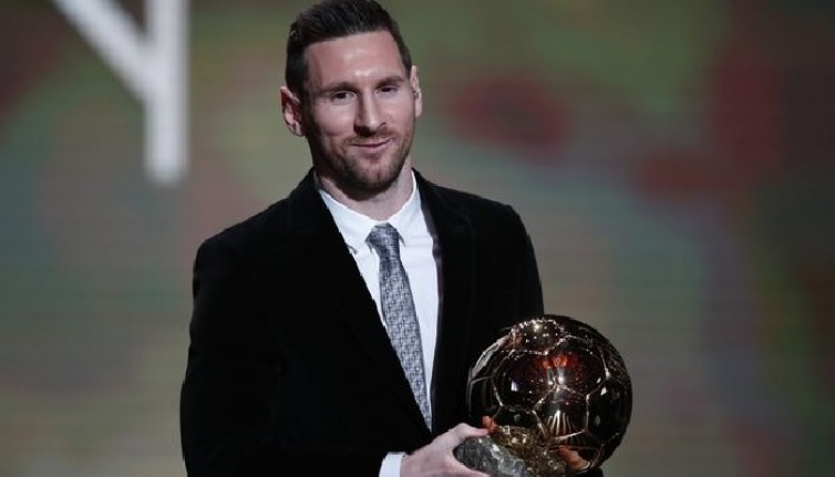 2019 Ballon d'Or'u kim kazandı? Messi, Ronaldo'yu solladı!