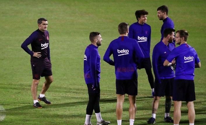 Barcelona takım otobüsü Suudi Arabistan'da kayboldu