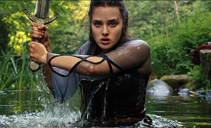 Netflix, yeni fantastik dizisi Cursed'ten ilk kareleri paylaştı