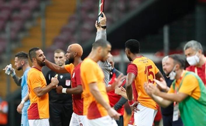 Galatasaray'da Belhanda karmaşası!