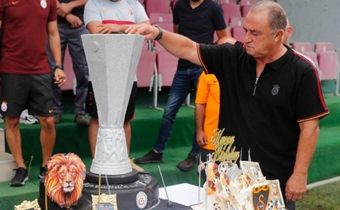 Galatasaray'da Gündem Transfer, Soru Cevap Özel Canlı Yayını! Albert Riera'dan ilk tespitler