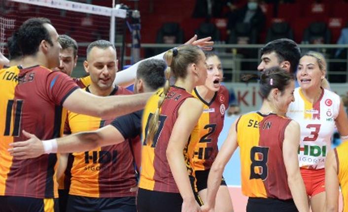 Galatasaray Voleybol Takımları Tarih Yazıyor!