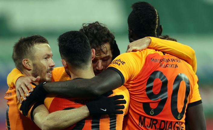 Galatasaray'da büyük indirim 3+1 yıllık imzayı getirdi!