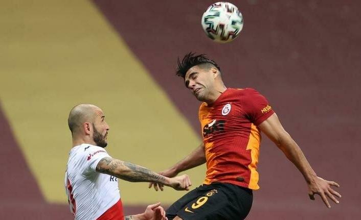 Galatasaray'da Falcao yönetimi kızdırdı!