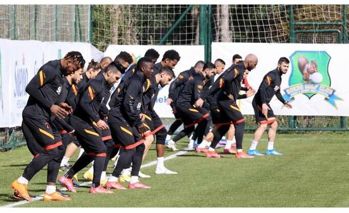 Galatasaray'da Antalya kampı sevinci