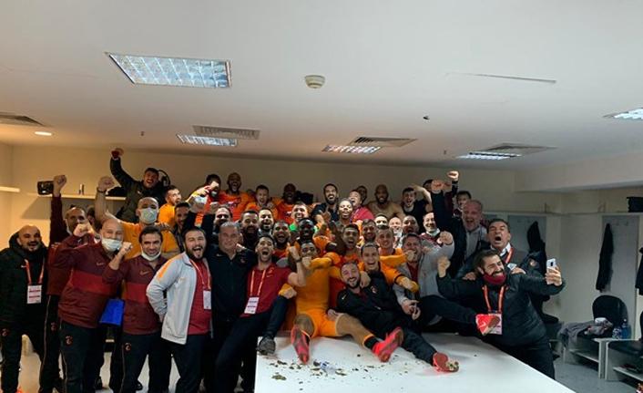 Galatasaray'dan Fenerbahçe'ye 4 yıldız göndermesi
