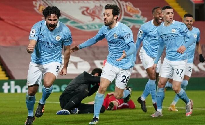 Manchester City, Liverpool'u darmadağın etti!