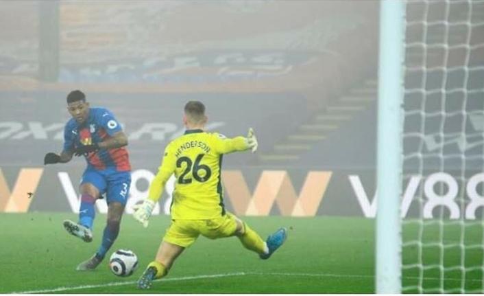 Galatasaray yeni sol bekini buldu: Van Aanholt!