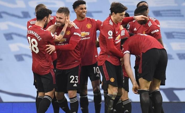 Manchester'ın kralı United: City'nin serisine nokta!