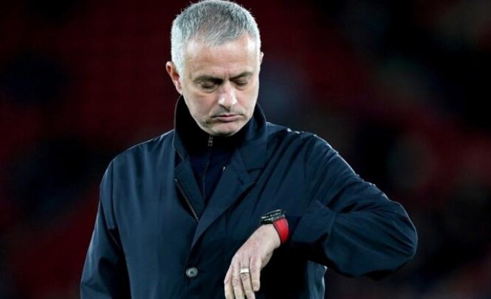 Tottenham, Mourinho'yu kovarsa 40M€ ödeyecek!