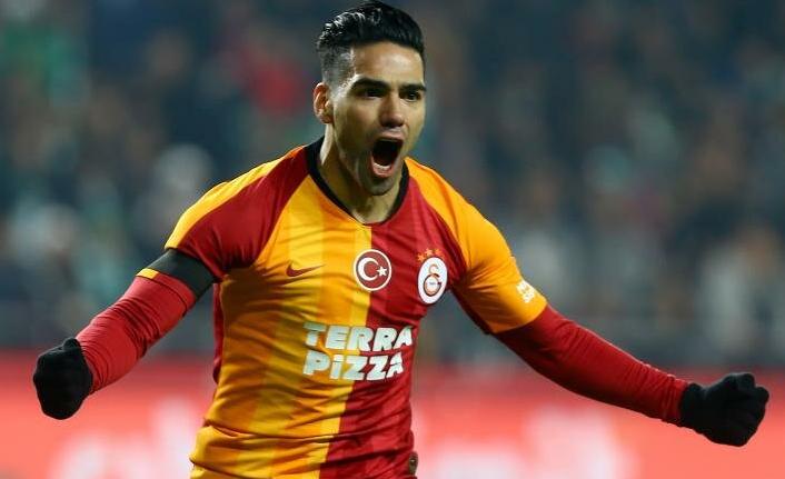 Falcao - Galatasaray aşkı kupasız, dertli, bol maliyetli bitti