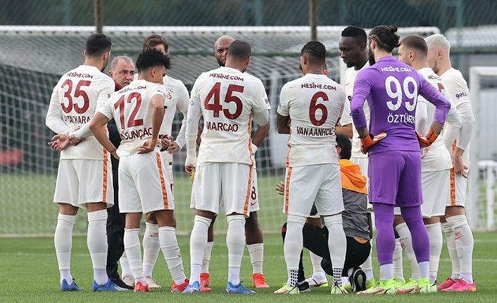 Galatasaray'da babadan oğula devir! Hamza Akman