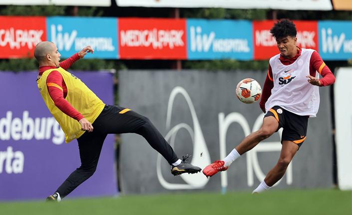 Galatasaray'da transfer görüşmesi!