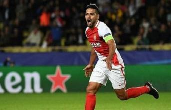 Galatasaray Monaco'ya rest çekti!