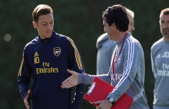 """Emery'den Mesut Özil'e: """"Ondan daha fazla..."""