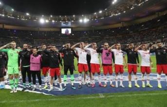 UEFA'dan asker selamı soruşturması