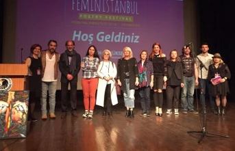 Dünyanın dört bir yanından şairler kadınlar...