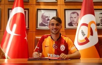Galatasaray Yunus Akgün ve Emin Bayram'ın sözleşmesini...