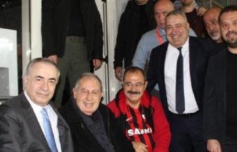 Mustafa Cengiz efsane futbolcumuz Talat Özkarslı'yla...