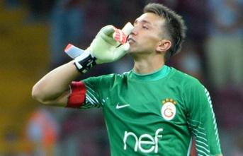 Fernando Muslera gözünü Fenerbahçe'nin rekoruna...