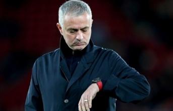 """Mourinho: """"Premier Lig'in başlaması gerekiyor"""""""