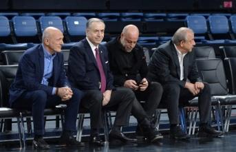 Galatasaray'da iki istifa birden