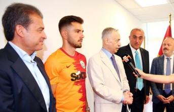 """Başkan Mustafa Cengiz: """"Emre sadece bir transfer..."""