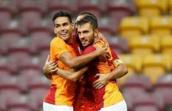 Galatasaray'da yeniler ne yaptı?