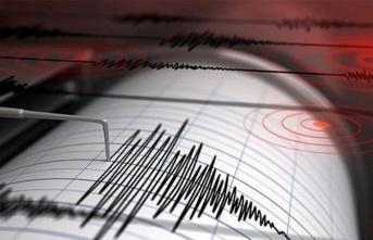 İzmir'de 6.9 büyüklüğünde deprem!