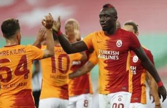 Galatasaray'da Diagne mecburen ilk 11'de