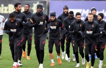 Galatasaray oynamadan kazandı!