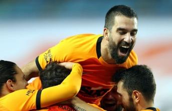 Galatasaray, Trabzon'dan lider dönüyor!