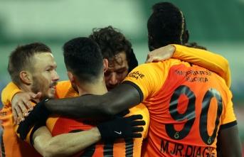 Galatasaray'da büyük indirim 3+1 yıllık imzayı...