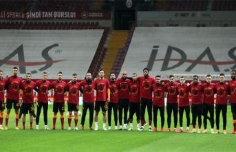 "Galatasaray'dan özel mesaj: ""Get well soon Omar"""