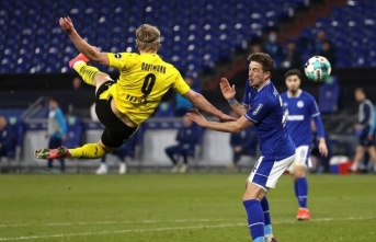 "Schalke ""04"" Borussia Dortmund!"
