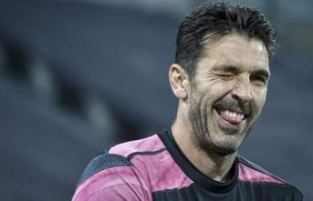 Buffon Parma'ya dönerek kariyerini bitirmek...