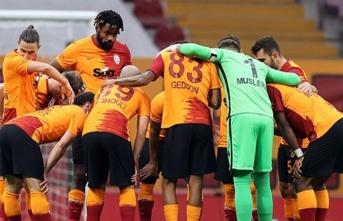 Galatasaray, 4 eksikle Antalya'ya gidiyor