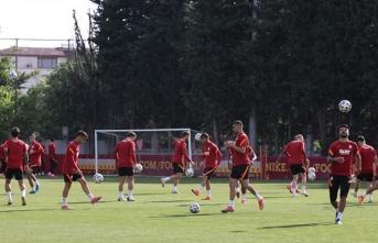 Galatasaray, Feghouli için Olympiakos'u bekliyor